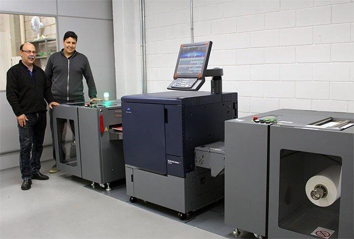 Promtec primeira empresa a adquirir impressora Konica Minolta digital para rótulos